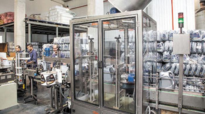 El sector de envasado tiene una capacidad de 2.000 metros cúbicos mensuales.