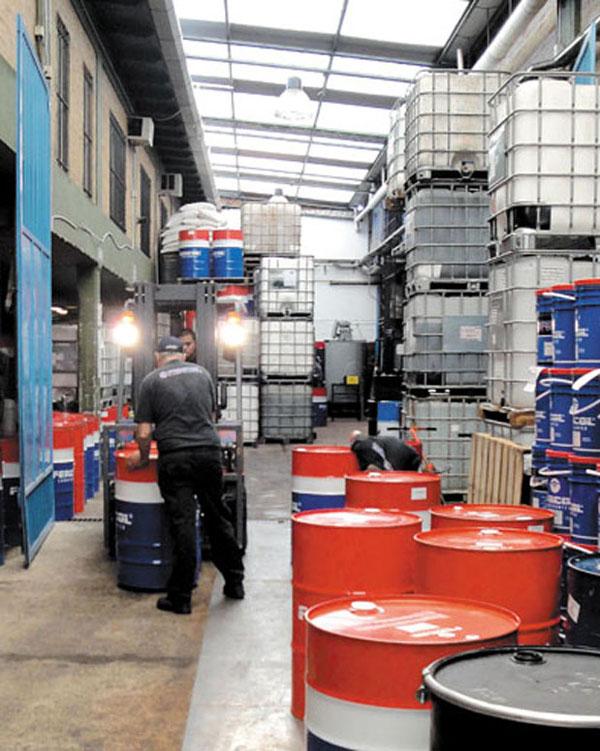 La empresa fue pionera en ofrecer lubricantes en tambor, envases medianos y envases chicos entre los jobbers.