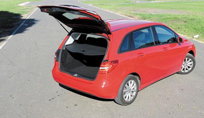 El baúl tiene 486 litros de capacidad. Se puede ampliar hasta 1.545 litros.