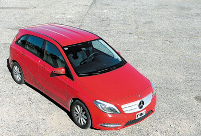 El precio base de 42.500 dólares lo deja muy cerca de varios modelos compactos producidos en el Mercosur.