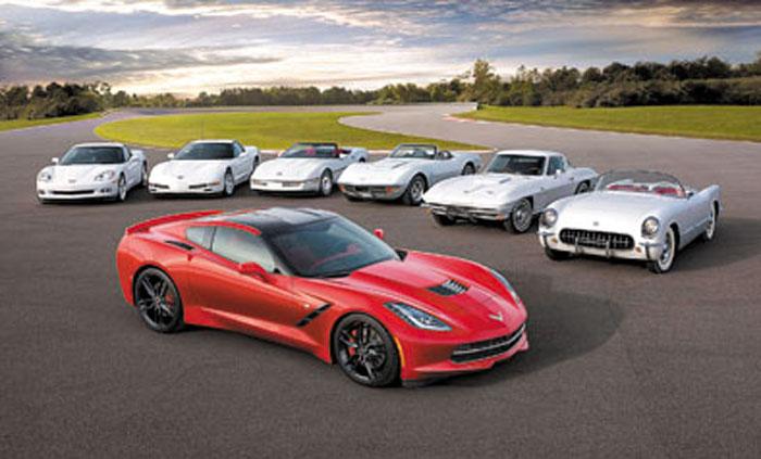 Seis generaciones del Corvette saludan al nuevo Stingray.