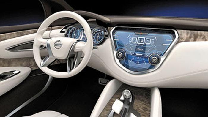 La fibra de carbono y la tecnología informática brillan también en el interior.