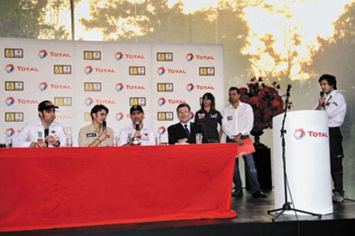 Se realizaron conferencias de prensa exclusivas con los pilotos patrocinados por Total.