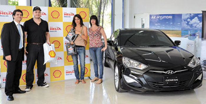 Shell Helix y Hyundai celebraron el éxito de ventas de la coupé Genesis.