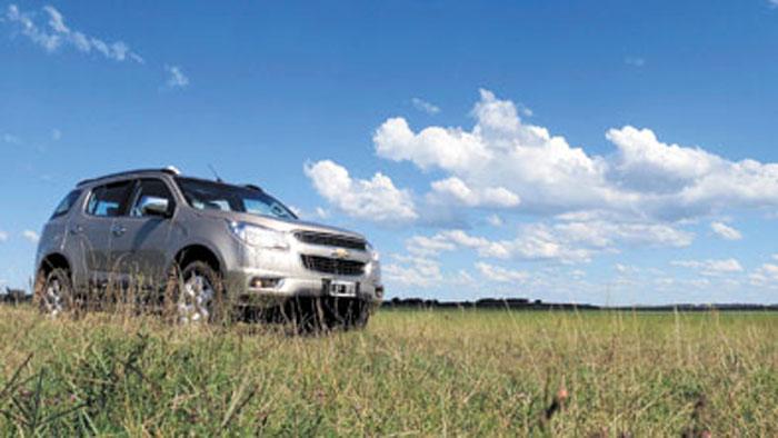 El campo es su hábitat favorito. Es un vehículo familiar ideal para caminos rurales.
