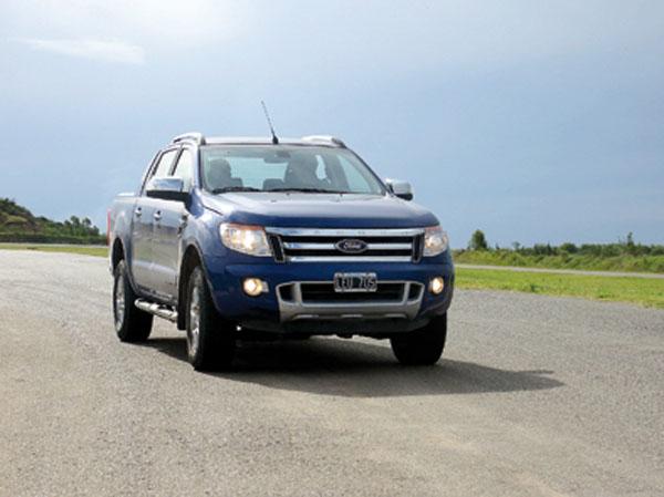 ¿Una pick-up en un Autódromo? Sólo con la Ranger de 200 cv cobra sentido la idea.