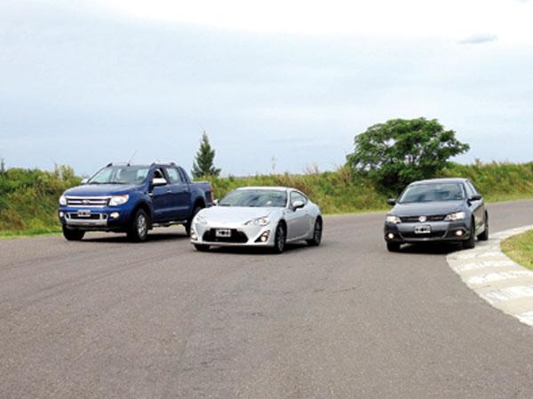 El Autódromo de Baradero fue el escenario de una comparativa poco usual.