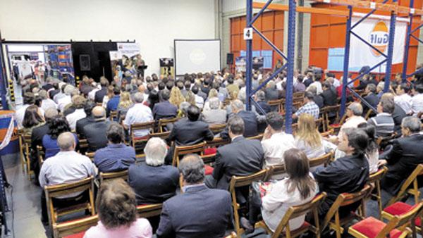 La fiesta de inauguración contó con la presencia de 300 personas.