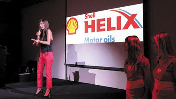 La modelo y actriz Úrsula Vagués realizó un divertido show stand-up en San Telmo.