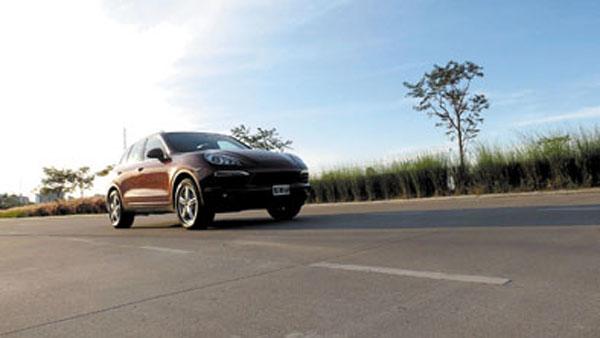 Manejar la Cayenne, es como acelerar un Porsche.