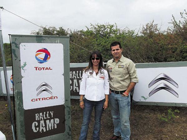 Aixa Domínguez Brizzio y Luis Sampaio. Los directivos de Total Especialidades Argentina acompañaron el Rally de Argentina.