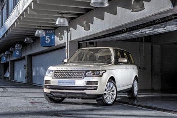 La nueva Range Rover está claramente por encima de la Mercedes-Benz ML y de la Porsche Cayenne.