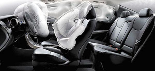 Viene de serie con seis airbags, control de tracción, frenos ABS y control de estabilidad.
