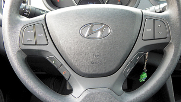 El volante multifunción sumó teclas para el Bluetooth y la computadora de abordo (a Hulk le gusta esto).
