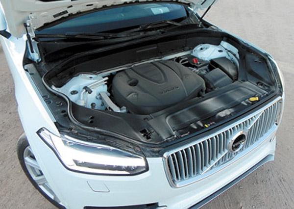 Ejemplo de downsizing: todos los motores (nafteros y diesel) son turbo, con cuatro cilindros y 2.0 litros.