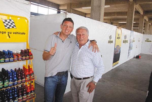 Los clientes y amigos de Bardahl acompañaron a Ortelli y Mazzacane desde la butaca del acompañante. Los pilotos contaron anécdotas, firmaron autógrafos y respondieron todas las preguntas.