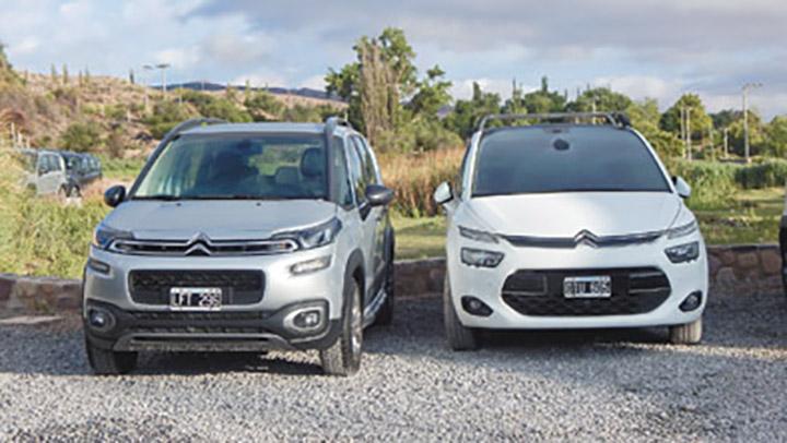 Son rasgos inspirados en Citroën más modernos, como la C4 Picasso (derecha).