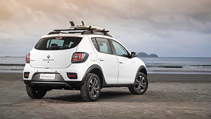 Según Renault, para los fans del surf todo el año es verano.