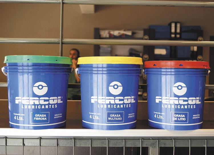 Todos los aceites de diferente marca pero iguales componentes y viscosidad equivalente son compatibles.