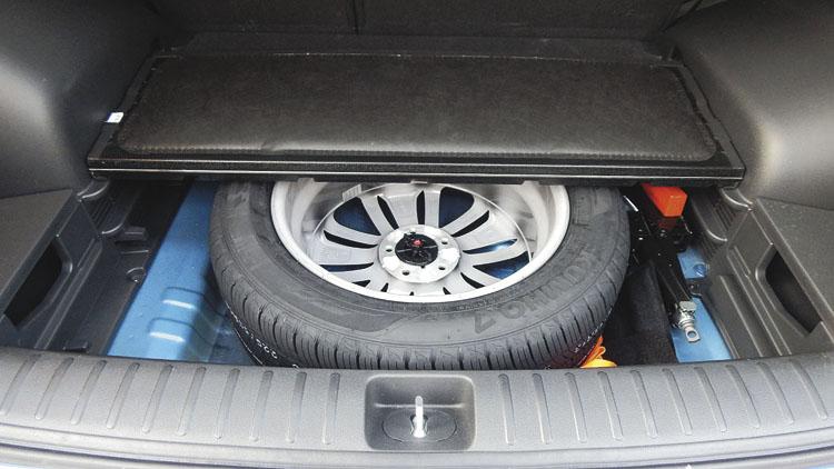 Tradición en Hyundai Argentina: rueda de auxilio del mismo tamaño y llanta que las otras cuatro.