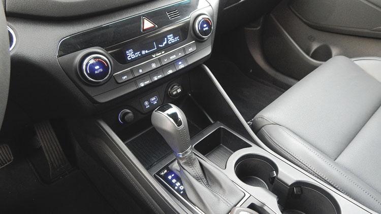 La caja automática es de serie en la versión turbodiesel. Pero también hay versiones nafteras, con caja manual y tracción simple.