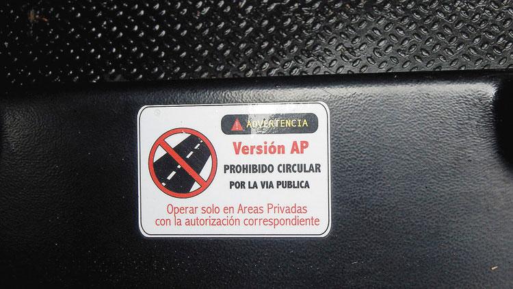 Y stickers de warnings.