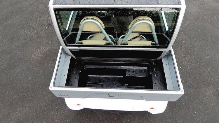 Tiene una capacidad de carga de 260 litros de volumen o 50 kilos de peso.